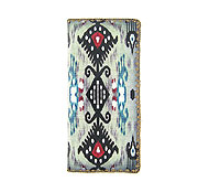 Mlavi Ikat collection wholesale fashion wallets with Ikat pattern prints to gift shop, clothing & fashion accessories boutique, book store, souvenir shops worldwide.